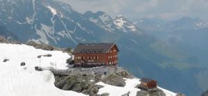 Meraner Höhenweg - Stettiner Hütte Durch eine Lawine im Winter 2013/2014 fast komplett zerstört